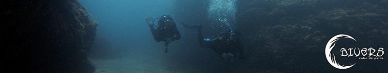 Practicando flotabilidad en Cala Escalerita